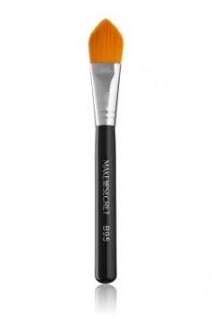 Кисть для нанесения тонального крема и основы под макияж MAKE-UP-SECRET B95