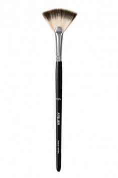 Веерная кисть для сыпучих структур или хайлайтера P27S Make-Up Atelier Paris